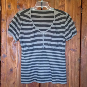 Momento Striped Top with Buttons | XL
